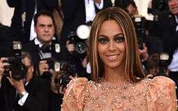 [FOTO] Sambut Anak Kembar, Beyonce Sewa Rumah 5 Miliar Per Bulan