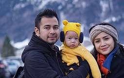 HARI IBU: Raffi Ahmad Dikritik Ucapkan Hari Ibu ke Istri