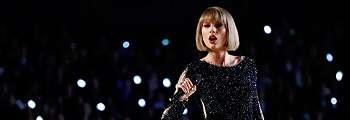 FOTO: Sederet Artis Hollywood Berduka Atas Ledakan Bom di Konser Ariana Grande